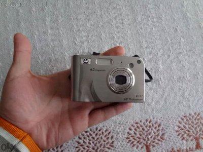 Фотоапарат Hp Photosmart R717 6.2mpx (счупен дисплей)
